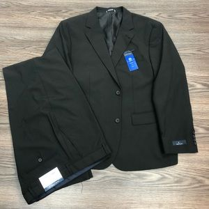 Nautica NWT Solid Black Suit 42S Short
